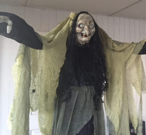 Animatronic Towering Witch Review