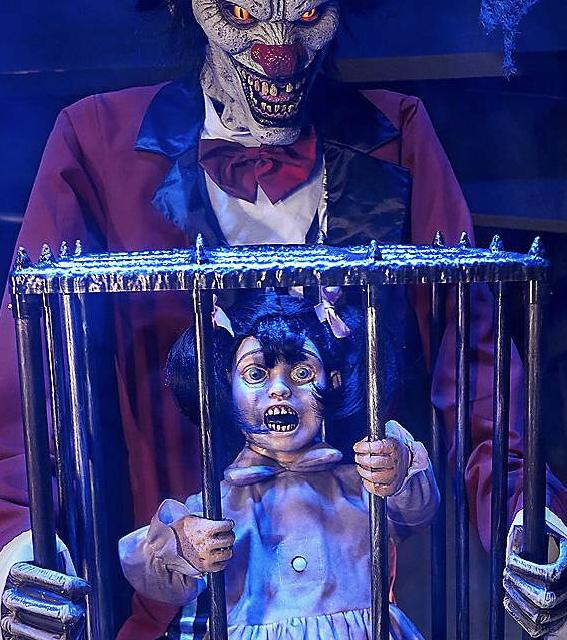 New For 2019: Rotten Ringmaster From Spirit Halloween