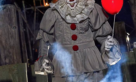 2020 Spirit Halloween Pennywise Animatronic Review