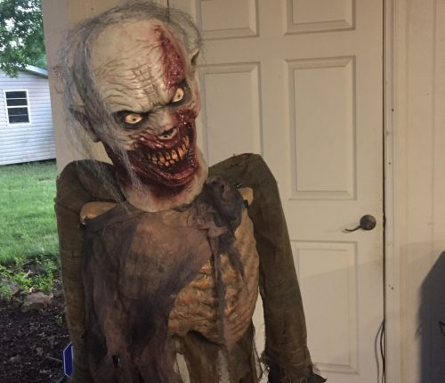 Making a Bad Halloween Prop Scary: The Twitching Zombie