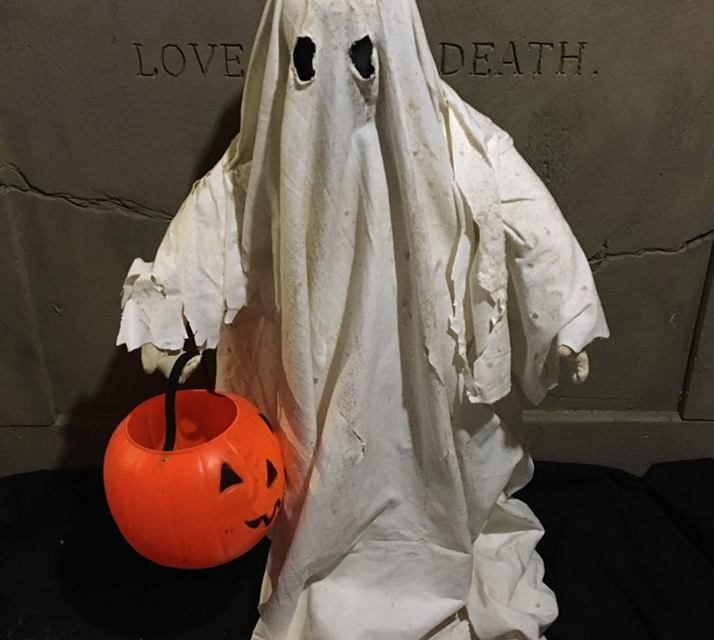 Should Halloween Be Moved To Last Saturday Of October?