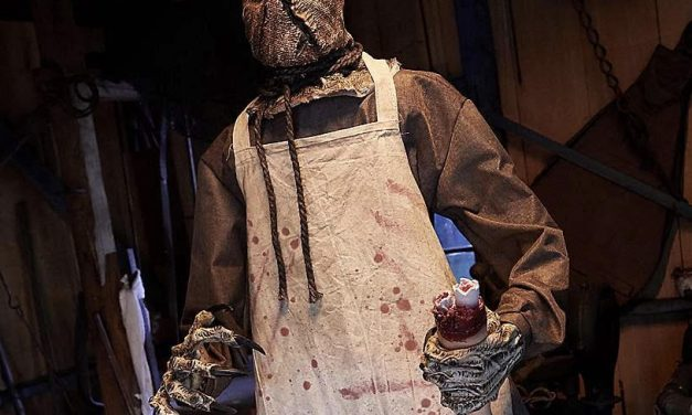 New For 2018: Burlap Horror Scarecrow