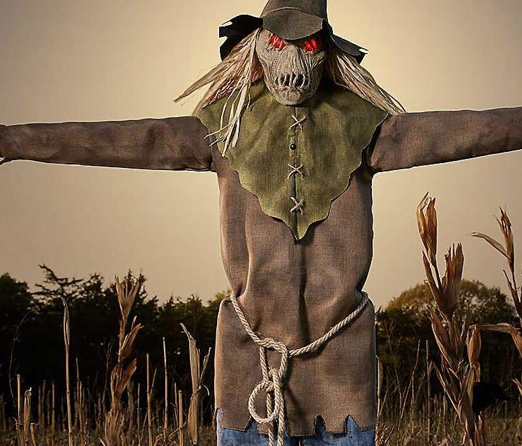 New For 2018: Looming Strawman From Spirit Halloween