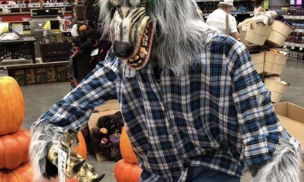2018 Lowe's Werewolf Greeter Animatronic Review