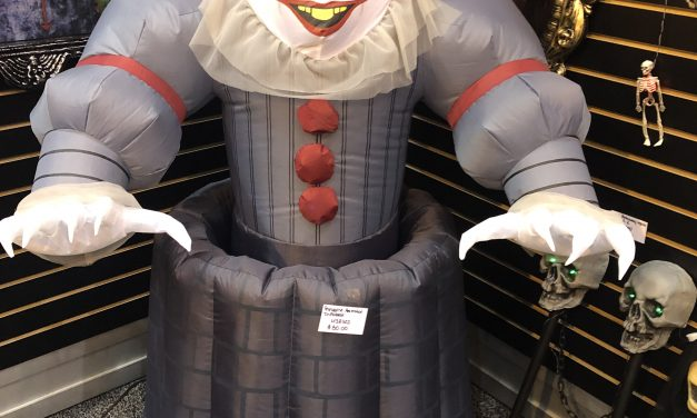New For 2020: Pennywise Animated Inflated Prop